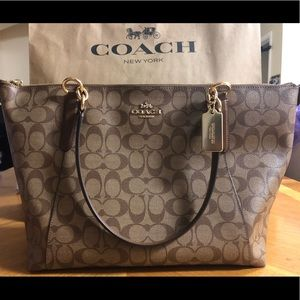 BRAND NEW Coach Large Tote Bag